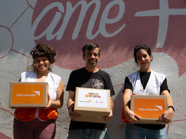 Volunteers delivering Tender Boxes and basic baskets