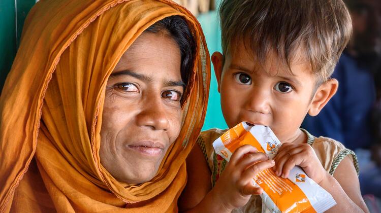 Rohingya refugee saved with Plumpy Nut